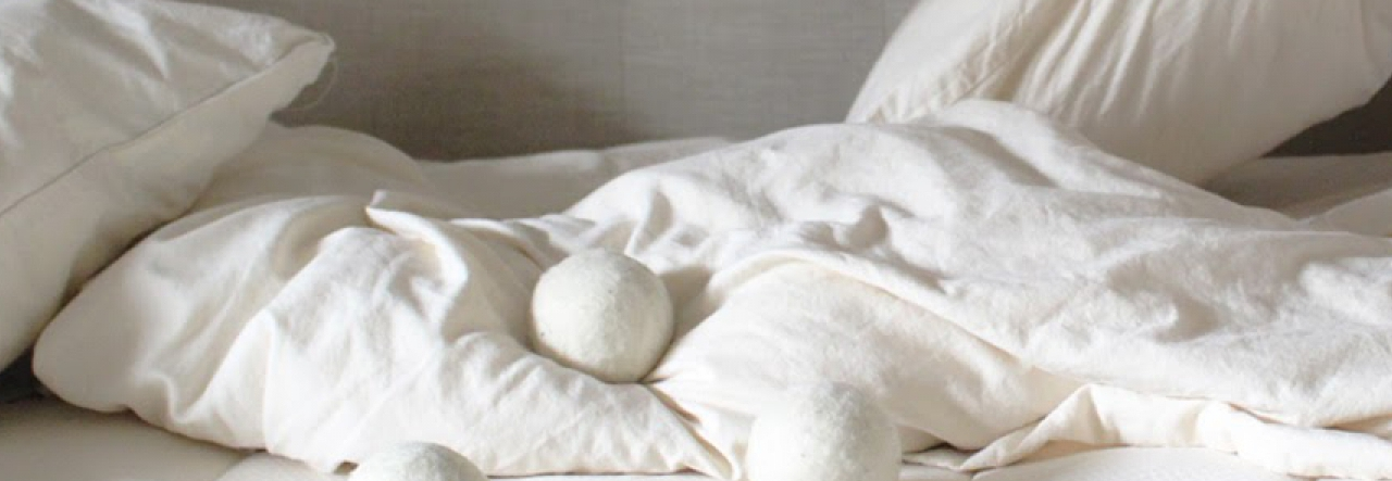 naturepedic eos classic with wool laundry balls