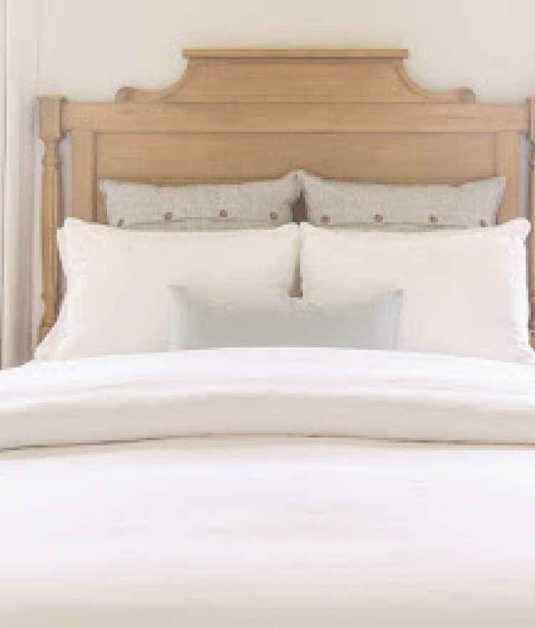 A Guide to Deep-Cleaning Your Bedroom